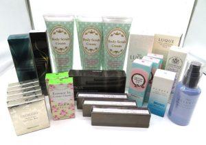エリナ、POLA、ハニー マークなどの香水とスキンケア
