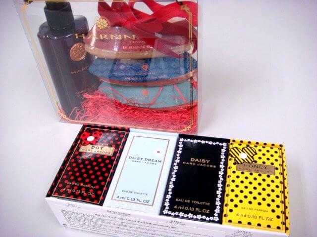 大阪市平野区のお客様よりお買取りいたしましたマークジェイコブスの香水クリスマスコフレ、ハーンのギフトセット
